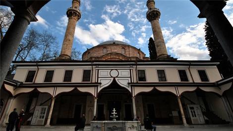 Ramazan Özel ekibi Emir Sultan Camisi'nde!