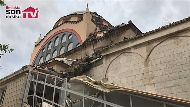 Küçükçekmece ve Haydarpaşa'da minaresi yıkılan cami görüntülendi!