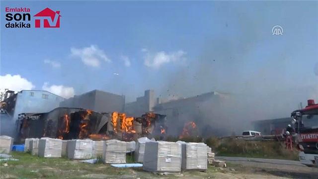 Halkalı'da fabrika yangını!