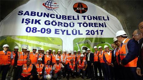 """Başbakan Yıldırım, Sabuncubeli Tünelleri'nin """"ışık gördü"""" törenine katıldı."""