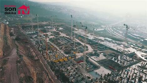 """İzmir'in """"en büyük projesi"""" yükseliyor"""