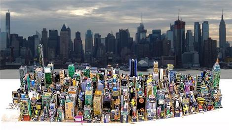 Atık elektronik parçalarından Manhattan maketi