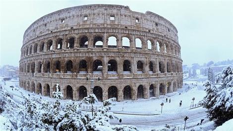 Roma'da 6 yıl sonra kar yağdı!
