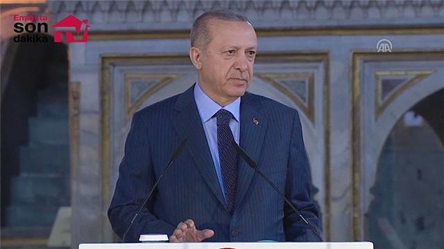"""""""Atatürk Kültür Merkezi'ni Türkiye'nin bir numaralı opera binası olarak yapıyoruz"""""""