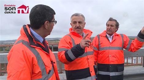 Bakan Arslan, İstanbul Yeni Havalimanı bağlantı yolları şantiyesinde incelemelerde bulundu