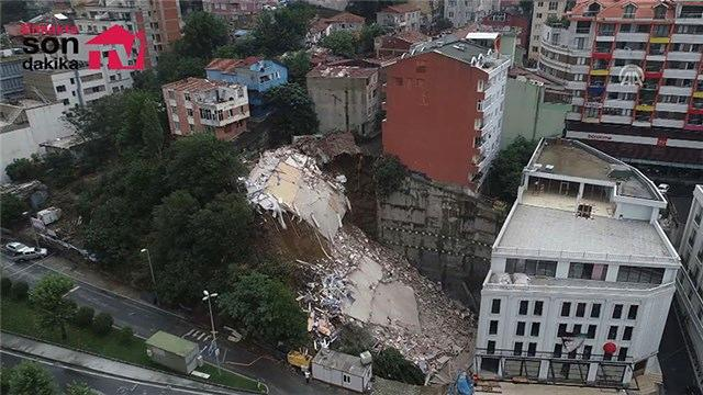 Beyoğlu'nda çöken bina havadan görüntülendi