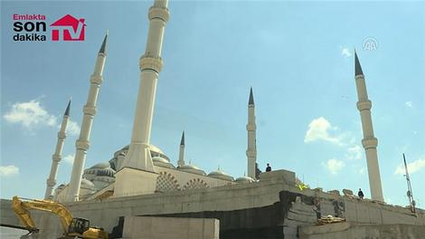 Cumhurbaşkanı Erdoğan, Çamlıca Camisi'nde incelemelerde bulundu