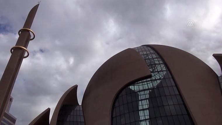 Avrupa'nın en büyük camilerinden Köln Camisi'nden görüntüler