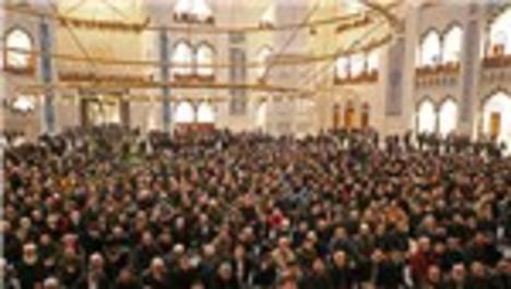 Çamlıca Cami ibadete açıldı