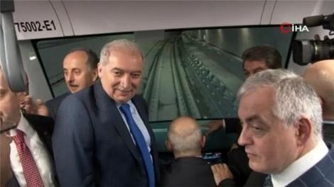 Sürücüsüz metro test sürüşüne başladı