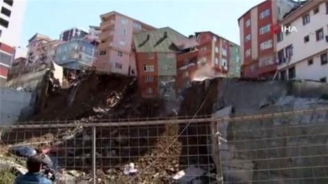 Kağıthane'deki 4 katlı bina böyle çöktü