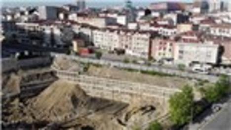 Esenyurt'ta çatlakların oluştuğu bina ve yollar havadan görüntülendi