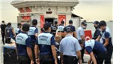 Üsküdar sahilindeki 2 büfe yıkıldı