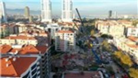 Rıza Bey Apartmanı enkazında arama kurtarma faaliyetlerinden görüntüler