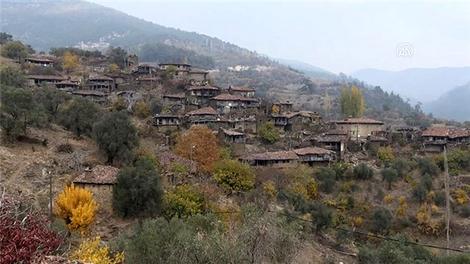 """İzmir'in """"hayalet köyü"""" Lübbey turizme kazandırılacak"""
