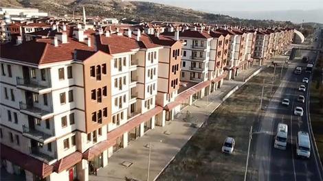 Elazığ'da depremzedeler için yapılan konutlarda yaşam başladı