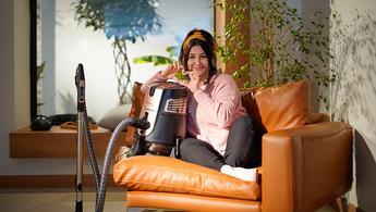 Yasemin Sakallıoğlu, Aura Cleanmax'ın reklam yüzü oldu!