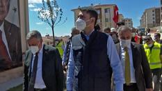 Bakan Kurum, Elazığ'da depremzedeler için yapılan konutlarda incelemelerde bulundu