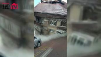 Zeytinburnu'ndaki binanın çökme anı