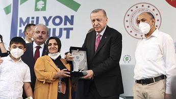 TOKİ, 1 milyonuncu konutun anahtarını teslim etti!